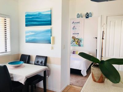 Photo for Central 1 bed Unit Broadbeach 300m to Beach
