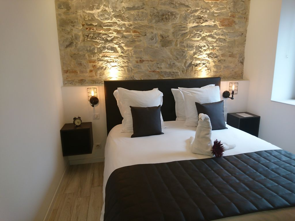 Cottage mill appart 39 h tel oscar 65 m homeaway for Appart hotel jacuzzi