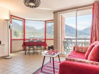 Photo for 200m from resort center, 4th floor, view mountain, balcony, parking, tv, 31m², Serre Chevalier