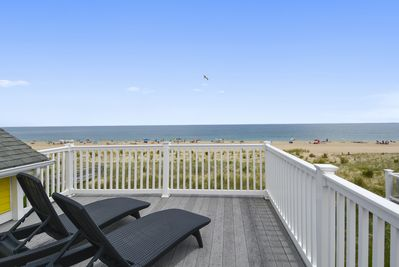 Upper level oceanfront sunning deck.