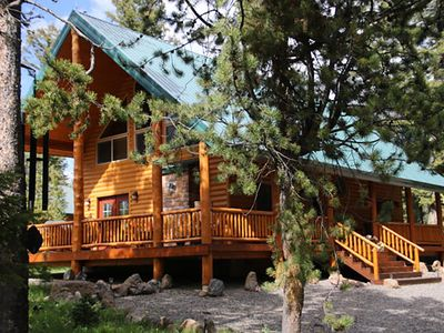 Photo for Luxury Family Cabin near Yellowstone, Snake River, Henry's Lake/Fork