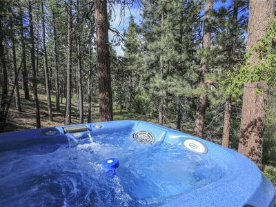 Photo for Ski Bunny Lodge - New Hot Tub and WiFi! Walking to the Lake and Village! FREE 2 hour Kayak Rental!