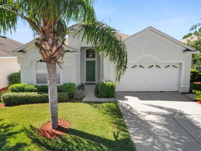 Photo for 4 Bdr Villa, South Facing Pool & Hot Tub, 3 Miles to Disney