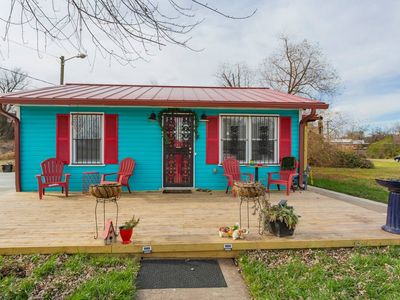 Photo for Nashville Love Shack Country Charm in the City