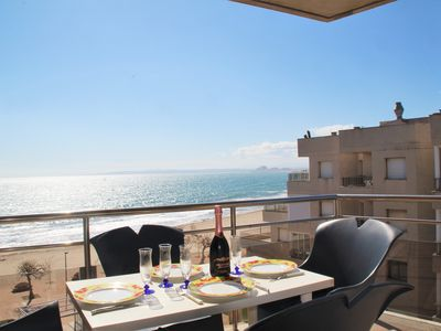 Photo for Apartment with 3 bedrooms for 6 people with swimming pool and sea view in Roses