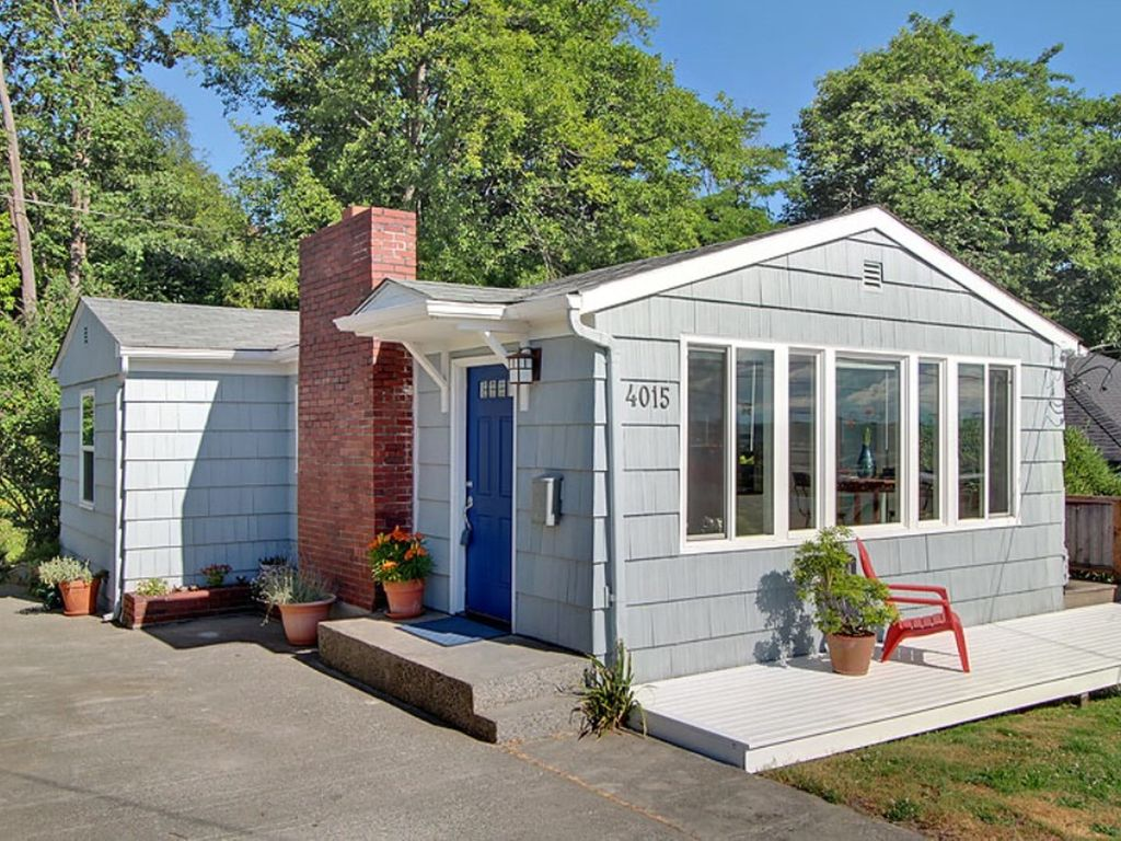 Pet friendly cottage in west seattle easy homeaway - Pet friendly cottages with swimming pool ...