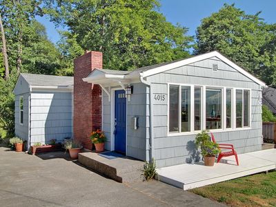 Photo for Pet Friendly Cottage in West Seattle; easy access to downtown and Alki beach