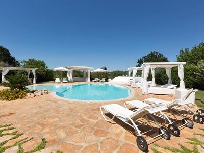 Photo for 895 Luxury Villa with Pool and Heated Jacuzzi in Ceglie Messapica