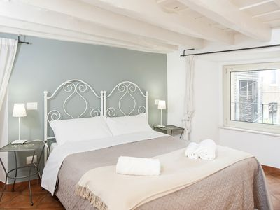 Photo for Cozy Apartment - Walking Distance from Navona and Vatican