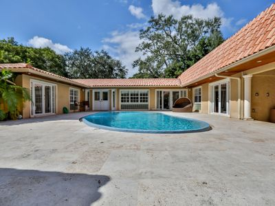 Photo for Tropical Paradise in Coconut Grove: huge 5BR close to everything!
