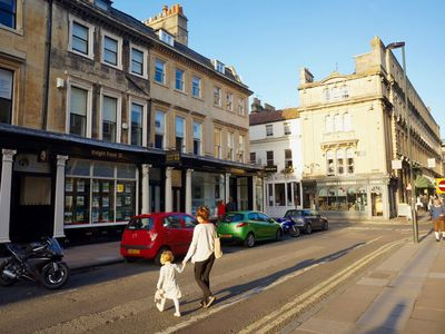 Photo for ElegantTown House with the delights of Bath on your door step