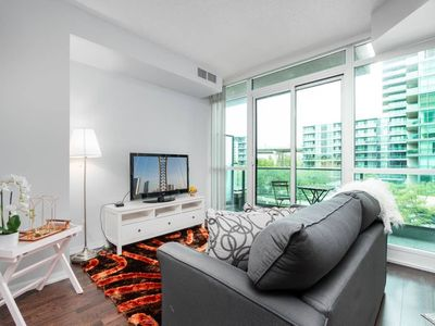 Photo for SPECTACULAR 1BR + 2BD CONDO W/ STUNNING CITY VIEWS