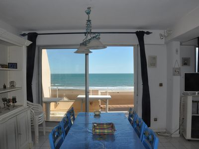 Photo for Waterfront, 58 m² air-conditioned apartment with double balcony