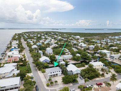 Photo for Deep water canal, EASY open water access. Close to Key West!