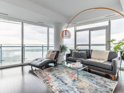 Photo for Luxury Corner Suite with Panoramic View I