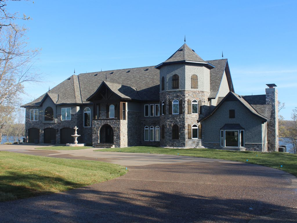 Stones Mansion 9800 Sqft At Osage Beach Vrbo