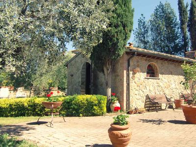 Photo for Charming family house in Tuscany. Construction for 2 persons, pool, wifi, garden