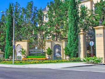 Avenue One, Irvine, CA, USA