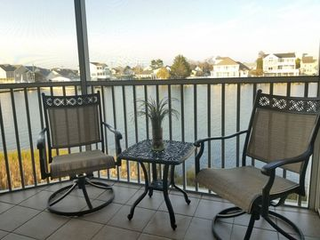 Luxury Three Bedroom Condo On the Bay! Only Two Short Blocks To The Beach!