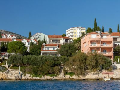 Photo for Holiday apartment with sea view and air conditioning 40 m from the beach