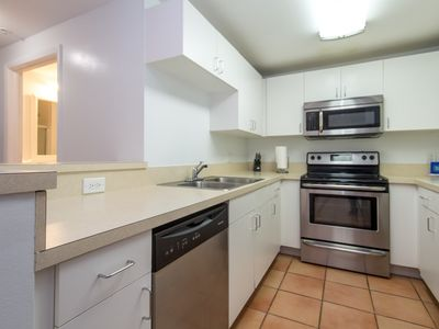 Photo for Brickell   Two-Bedroom Modern Suite City View   Sleeps 4 - RFH211