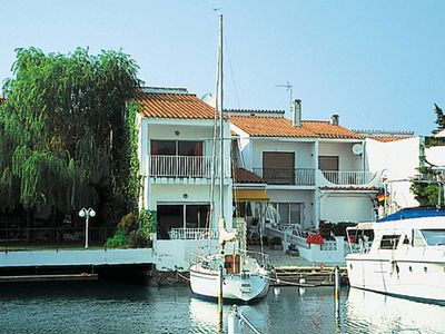 Photo for 3 bedroom Villa, sleeps 10 with WiFi and Walk to Beach & Shops