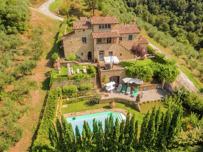 Photo for Villa with private swimming pool, garden and nice views, nearby Cortona