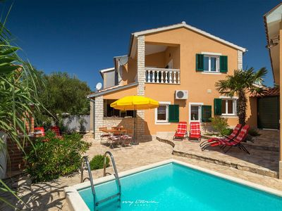Photo for Lovely family villa with pool near Poreč