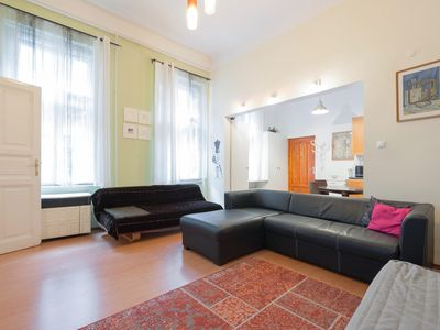 Photo for House Andrássy - quiet but central (2 rooms, metro)