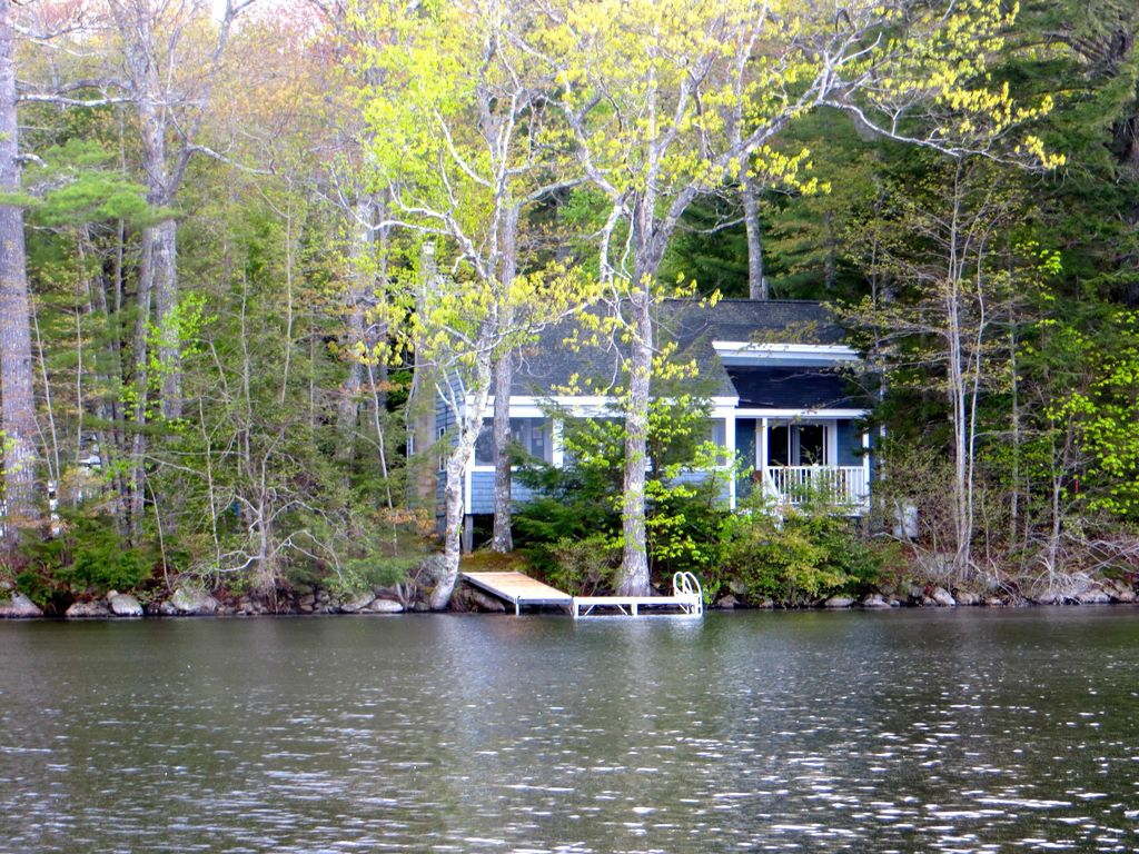 Lakeside Cottage On Mccurdy Pond Just Minutes From