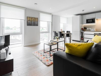 Photo for Stylish, Modern 2 Bed Apartment in Islington