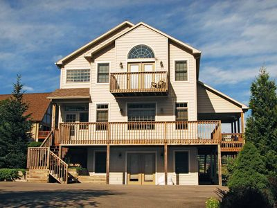 Lake access home only 350 yards to Wisp Resort, outdoor hot tub & free WIFI!