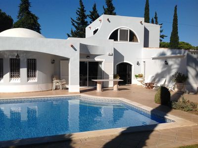 Photo for Large Villa Between Quinta do Lago and Vale do Lobo
