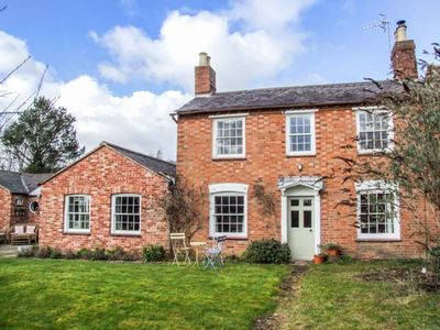 Photo for 3BR Cottage Vacation Rental in Stratford-upon-Avon