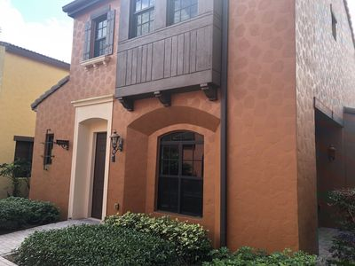 PRIVACY: Your own Casita at Ole in spectacular Lely Resort with 2-car garage