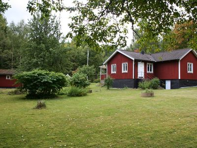 Photo for Holiday home with fully furnished guest house in peaceful woodland setting