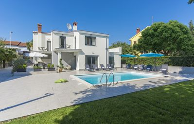 Photo for Holiday house Poreč for 9 persons with 4 bedrooms - Villa