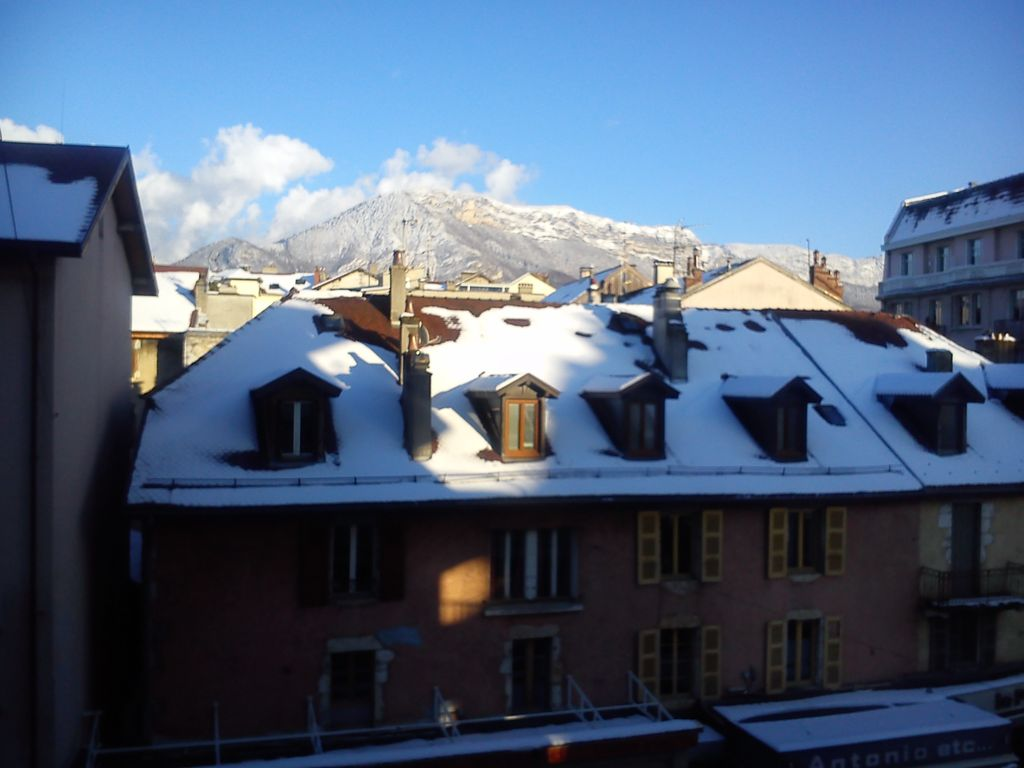 Annecy centre 2 steps old town lake 3 rooms comfortable for Garage ad annecy