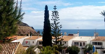 Photo for Spacious apartment with stupendous ocean views, 200 m from beach