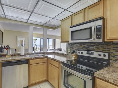 Photo for Upgraded Decor! Beautiful Condo - Bay Views & Great Building Amenities!