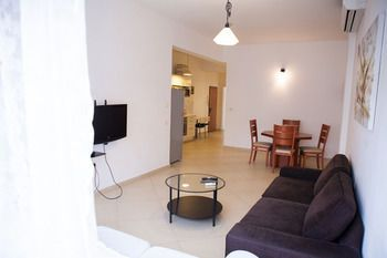 Photo for 2BR Apartment Vacation Rental in Tel Aviv,