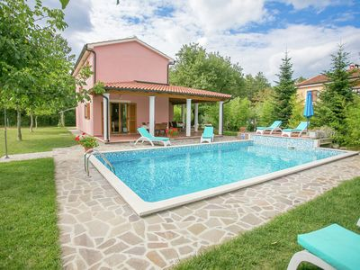 Photo for Holiday house with pool, gym and sauna for 8 people,  25 km from Rovinj