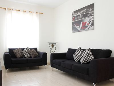 Photo for Lovely Spacious ground floor 2 bedroom apartment (6)
