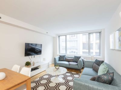 Photo for Designer-decorated luxury 2 bed 2 Bath Chelsea Prime Location 5252