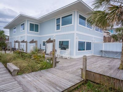 Photo for Beach Front 6 Bedroom, 6 Bath, Sleeps 24 In Beds. Great For Weddings/reunions.