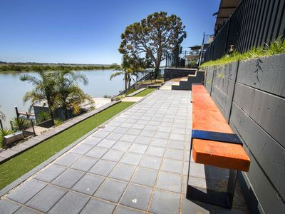 River Life - an ideal family holiday home with direct access to the Murray River