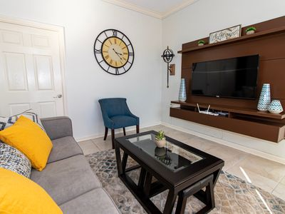 Photo for Cozy, Smart Apartment in the centre of New Kingston