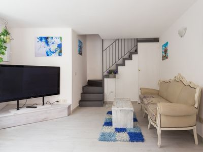 Photo for Gio holiday home APARTMENT IN FULL CENTER OF CATANIA