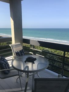 Photo for Newly renovated corner beachfront unit in well appointed complex!