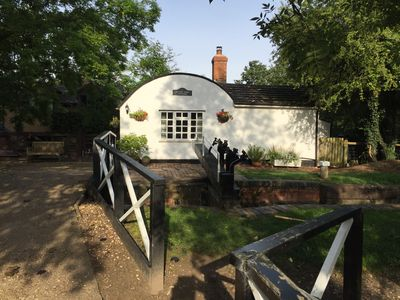 Photo for Country house sleeps up to 16 located on Stratford-on-Avon canal, rural location